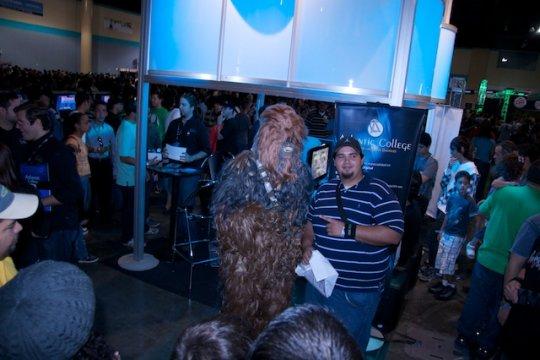 Chewbaca en el booth the Alantic College